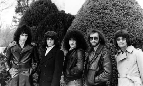 """CIRCA 1980:  Guitarist Ritchie Blackmore poses for a portrait with the rest of the members of his rock and roll band """"Rainbow"""" in circa 1980. (Photo by Michael Ochs Archives/Getty Images)"""